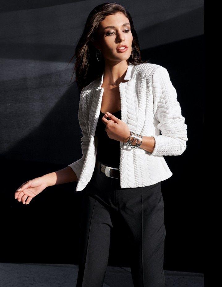 petite veste femme blanche cintrée