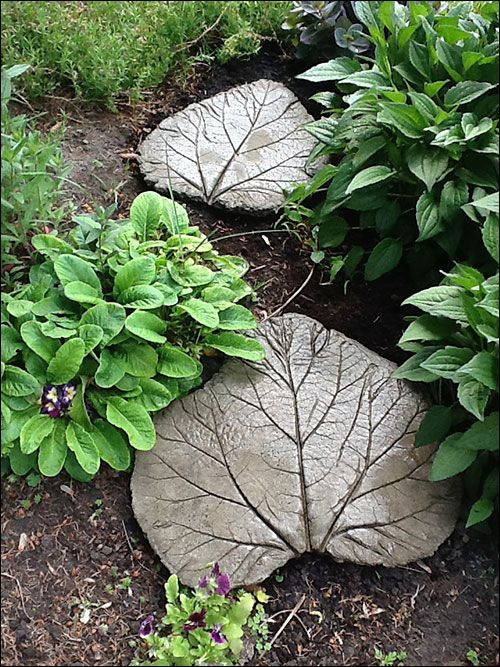 rhubarb-leaf stepping stones