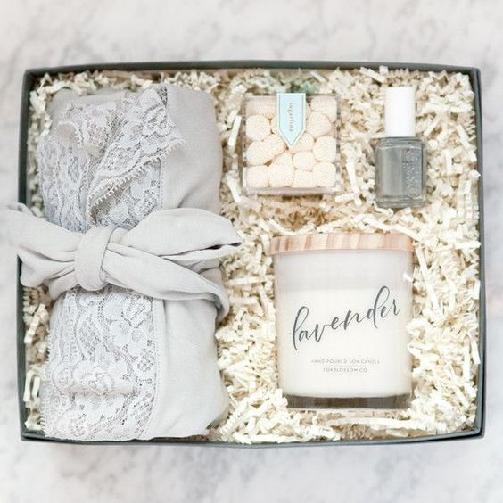 20 Creative Ways to Propose to Your Bridesmaids - spa box. #bridesmaids #willyoubemybridesmaid