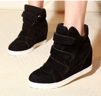 Department Name:Adult Item Type:Boots Shoe Width:Wide(C,D,W) Process:Injection Season:Spring/Autumn Platform Height:0-3cm With Platforms:Yes Closure Type:Hook & Loop Boot Height:Ankle Toe Shape:Round