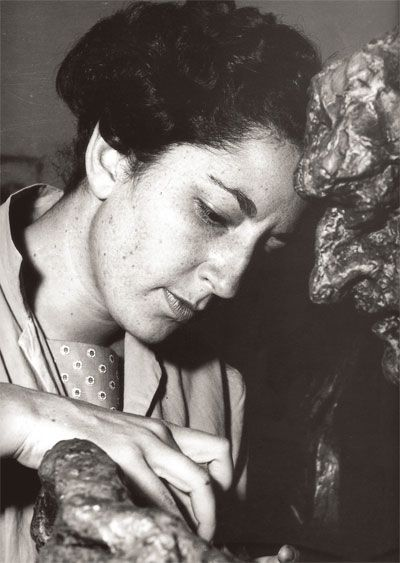 In memoriam. Helen Escobedo. Fotografiada por Kati Horna 1960.