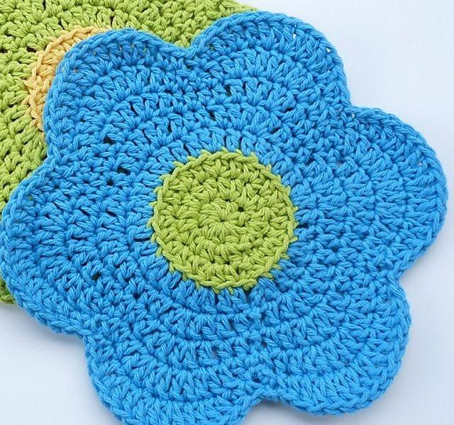 Ravelry: Flower Power Dishcloth by Doni Speigle