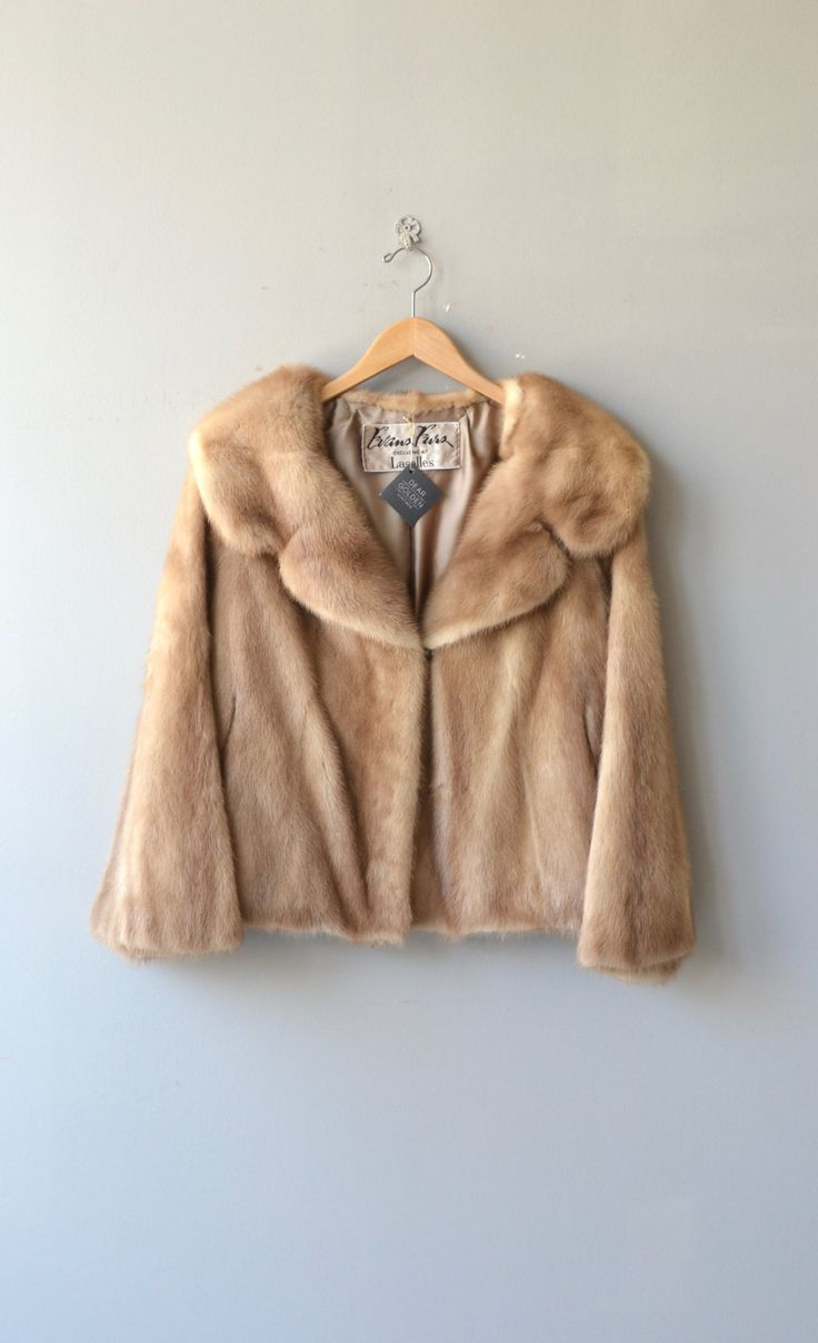 Vintage 1950s autumn haze mink coat, not a stole, it has actual sleeves, wide open collar, slight cropped length, hidden pockets and silk lining. ---