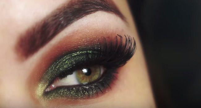 Aprenda a fazer essa maquiagem coringa com preto e verde para festas e eventos.