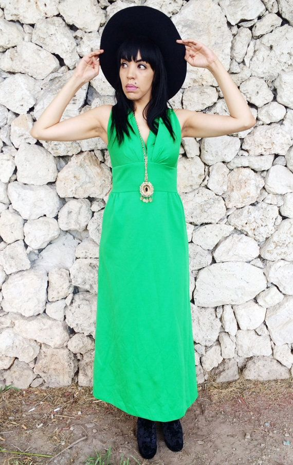 Hey, I found this really awesome Etsy listing at https://www.etsy.com/listing/198748784/vintage-70s-green-polyester-maxi-dress-s