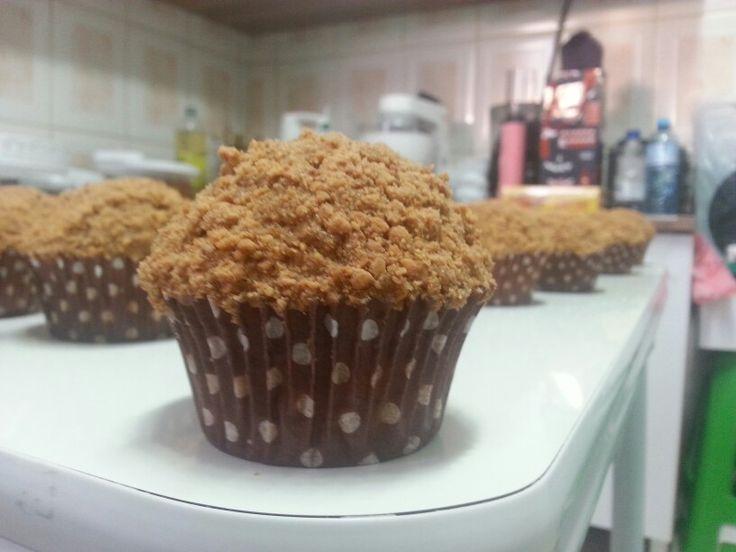 Cupcakes de paçoca produzidos pela Cobertura Extra, por Tatiana Araujo