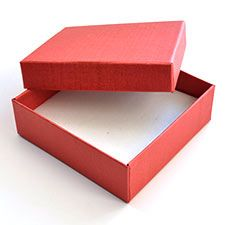 Solid Colour Gift Boxes from Paradise Creative Crafts.  These boxes are sold in packets of 12boxes/packet at R52/box.  Dimensions: 9*9*3cm