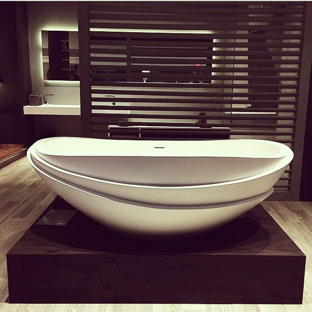 Layer upon layer like the beautiful leaves on a lotus flower our harmony bath stands proud at @maisonetobjet Miami. Thank you @casavouguebrasil for the photo. @kellyhoppen