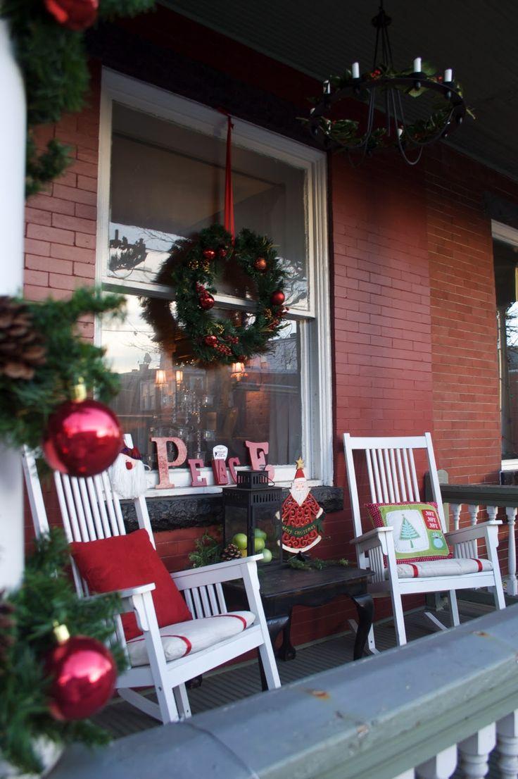 17 best ideas about christmas porch on pinterest xmas. Black Bedroom Furniture Sets. Home Design Ideas