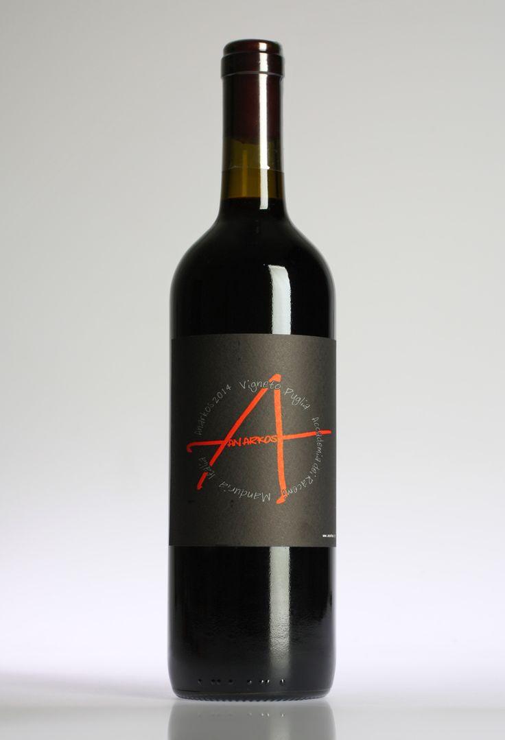 Der  Anarkos Rosso Puglia  ist ein junger und frischer Rotwein aus den in Apulien heimischen Sorten Primitivo, Negroamaro und Malvasia Negra. Der Wein wird ausschließlich in Edelstahl ausgebaut und liefert herrlich, fruchtige Aromen mit...