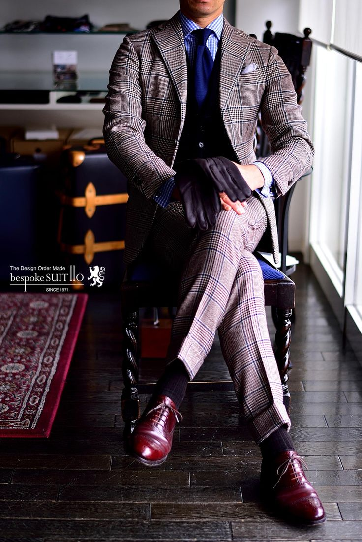 Suit: PORTER & HARDING Vest: Ermenegildo Zegna