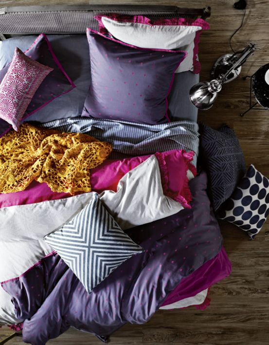 """Colorful Bedding and Kitchen Textile by """"Aura""""