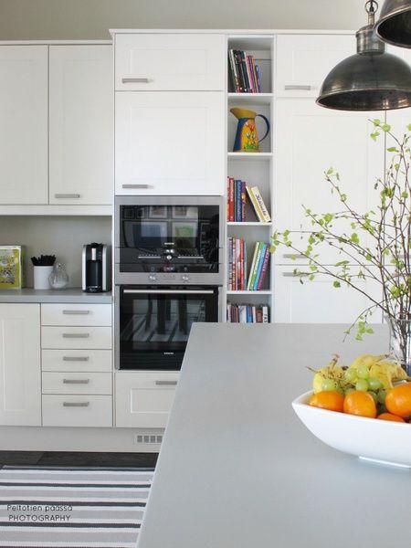 keittiö,valkoinen keittiö,valkoinen,klassinen,puutasot,ikea,country,harmaa,countryliving