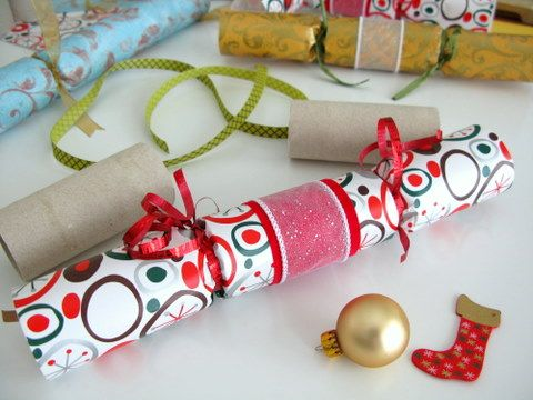 18 best christmas images on pinterest christmas crackers how to how to make your own christmas crackers solutioingenieria Image collections