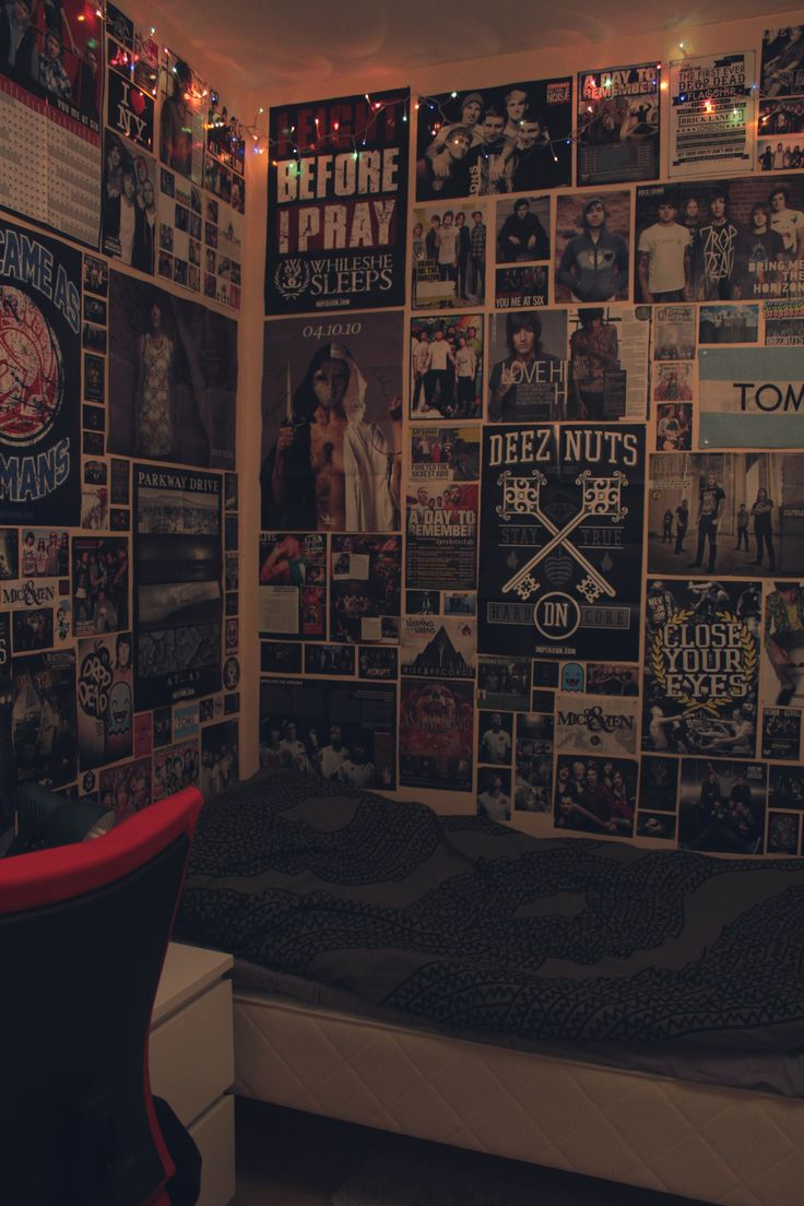 Room Full of Posters Emo   Download Full Image