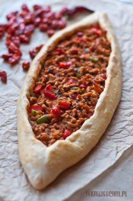 Ivka w kuchni - przepisy i fotografia : Pide, turecka pizza