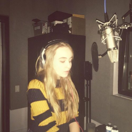 Video: Sabrina Carpenter Covered A Song From Alessia Cara September 7, 2015 - Dis411