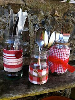 Cutlery = cute and simple for a picnic or buffet - Maybe July 4th celebrations?