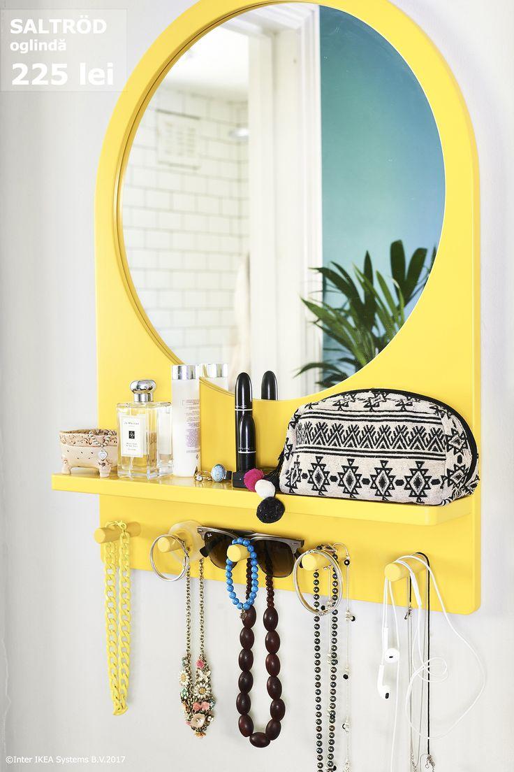 Oglinda SALTRÖD e gata să-ți vină în ajutor în zilele în care pleci în grabă de acasă. Ia repede accesoriul potrivit, puțin parfum încă o privire în oglindă și gata! Sigur o să ajungi la timp :)