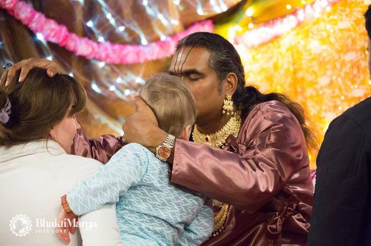 Paramahamsa Sri Swami Vishwananda   ❤️ Love is love no matter how you express it, love is God and God is love. ❤️  enlightened spiritual master, beloved Guruji bhakti marga atma kriya yoga Парамахамса Шри Свами Вишвананда Ом Намо Нараяная Om Namo Narayanaya Нараяна Narayana Giridhari Giridhariji Krishna Thakur Thakurji Murali Manohara darshan Ashram Shree Peetha Nilaya Springen, Germany