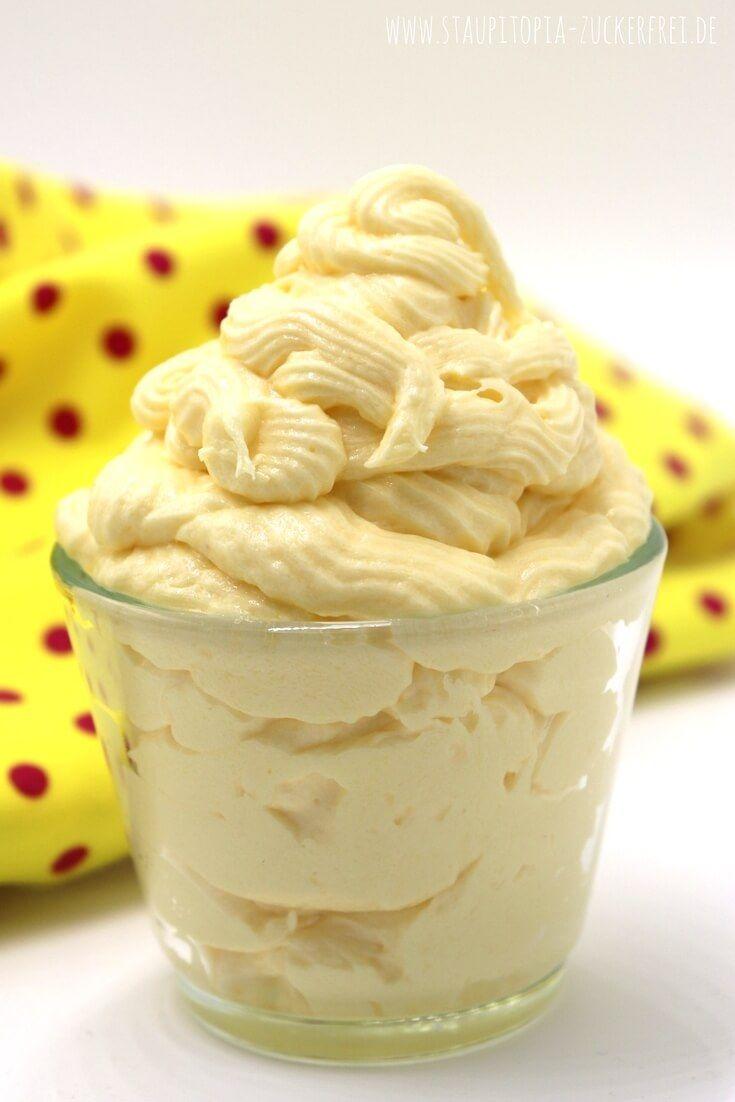 Buttercreme ohne Zucker: In diesem Rezept erfährst du, wie du eine köstliche Buttercreme ohne Zucker mit nur einer Handvoll Zutaten zubereiten kannst. Egal für welchen Kuchen, für welche Torte oder für welches Dessert du die Buttercreme einsetzen möchtest, dieses Grundrezept hat eine Geling-Garantie! #buttercreme #lowcarb #staupitopia #rezept