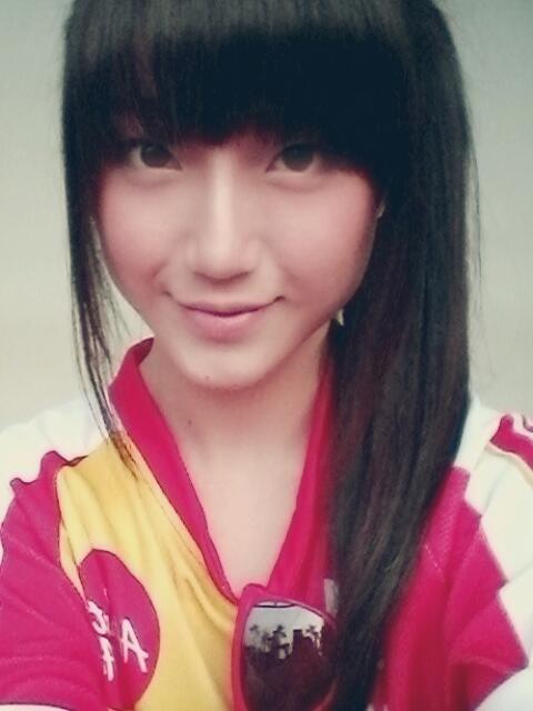 Sinka Juliani (シンカ Sinka) is a member of JKT48's Team KIII.