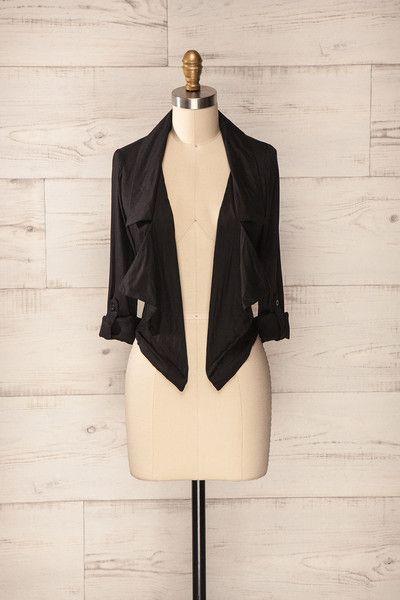 Essen ♥ Ce veston noir est le summum de la combinaison entre l'élégance citadine et le décontracté champêtre.      This black jacket is the prominence of urban elegancy and relaxed country style.