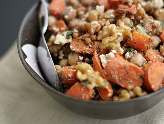 Roasted Carrot and Chickpea Wheat Berry Salad | Wheat Berry Salad ...