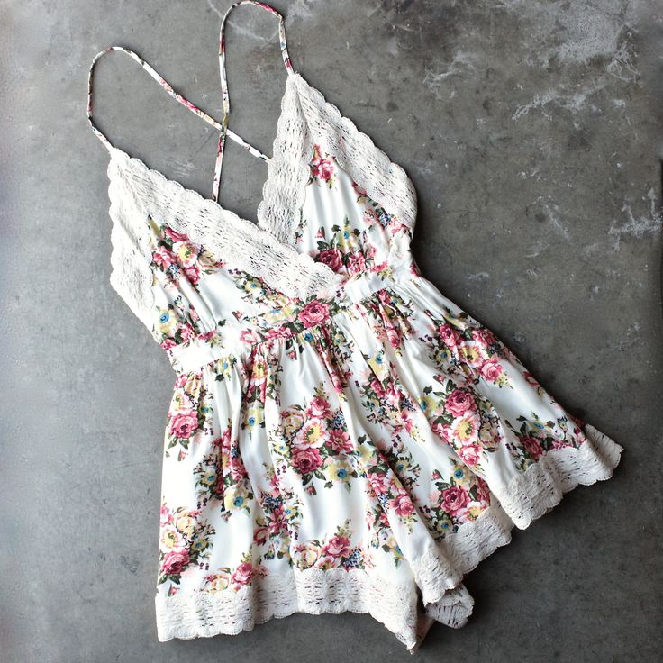 Gorgeous open back floral ivory tone romper. Featuring cream crochet lace hem detailing, adjustable straps, an open back, and cinched waist. small medium large waist 24 26 28 length 28 28.5 29