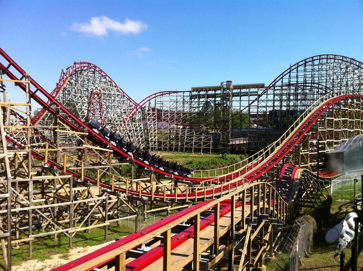 Texas Giant At Six Flags Over Texas Have Always Loved The Old Wooden Roller Coasters Six Flags Over Texas Amusement Park Rides Roller Coaster