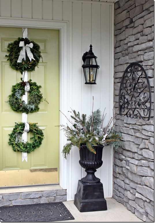 Ideas For Decorating A Small Living Room: 39 Best Images About Winter Porch Decorating On Pinterest
