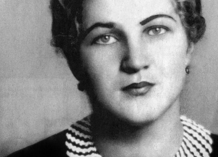 • Geli Raubal i Ewa Braun nie były jedynymi kobietami, z którymi łączyły Hitlera intymne relacje <br /> • W 1926 r. poznał 17-letnią Marię Reiter, a ich znajomość szybko przerodziła się w romans <br /> • Ostatecznie Führer odrzucił uczucie dziewczyny <br /> • O swoim rzekomym związku z Hitlerem Reiter opowiedziała dziennikarzom ''Sterna'' dopiero w 1959 r.