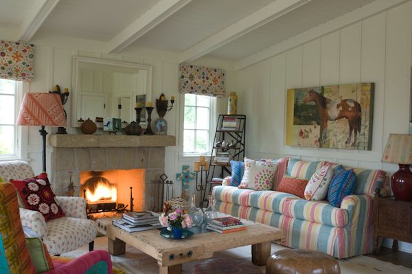Interiors With Large Doses of Color and a Lack of Orthodoxy 19