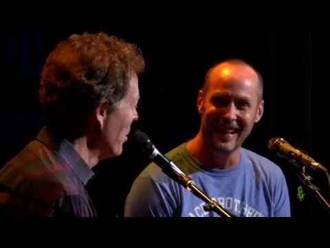 eTown Exclusive: On-Stage Interview with Paul Thorn - YouTube
