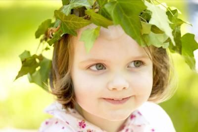 Keeping with ancient Greek tradition get the kids making a laurel wreath out green contruction paper or foam.