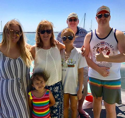 Our NZ neighbours from Auckland are all set for an awesome day of boating on the Broadwater and wavebreak island #kiwifungoldcoast #goldcoasthireboats #schoolholidayfun http://goldcoastpartypontoons.com.au/