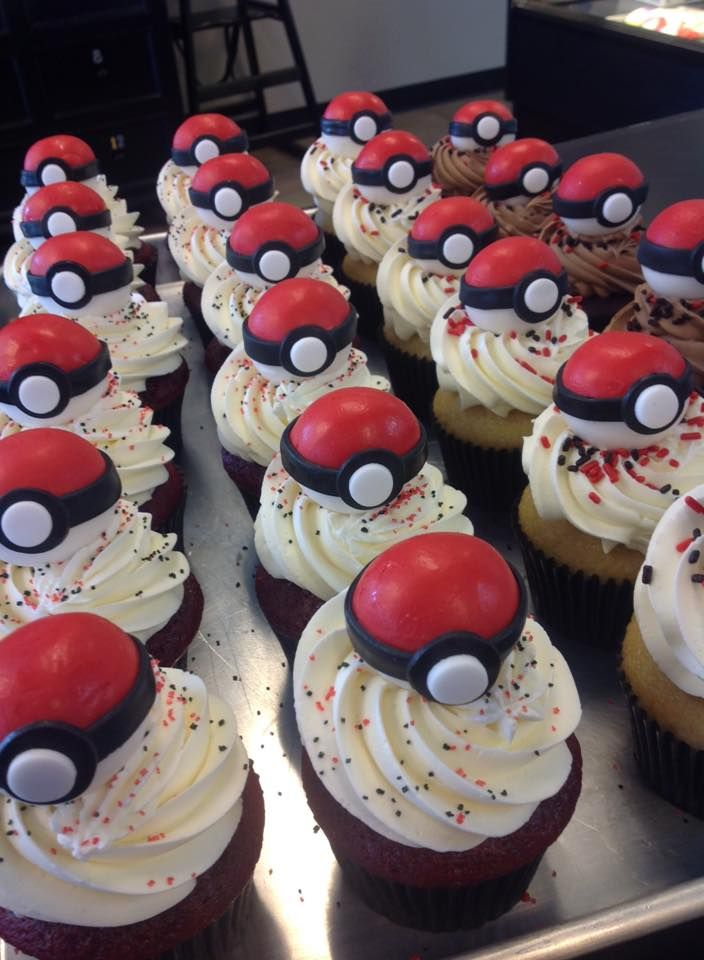 Pokemon Cupcakes - make toppers as chocolate balls with Pokémon inside (cookie)