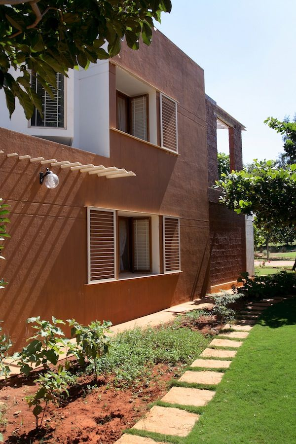 18 best images about laterite house on pinterest goa for Building a house in india