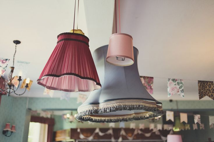 THE-VINTAGE-SISTERS.CO.UK HANGING VINTAGE LAMPSHADES