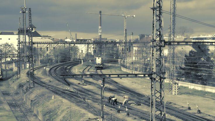 https://flic.kr/p/FpCYvX | Koleje za Smíchovským nádražím směr Vyšehrad | Smíchov, Prague