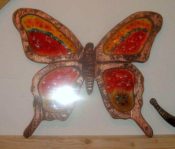 Χειροποίητη δημιουργία μου σε ξύλο-γυαλί φιούζινκ-υπάρχει δυνατότητα διαφοροποιήσεων.
