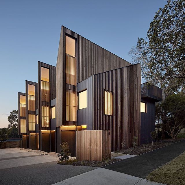 Parkville Townhouses by Fieldwork Parkville Peter Clarke _ @peterclarkephoto ⚒ Mancini Made _ @mancinimade www.fieldworkprojects.com.au _ @fieldwork_architects ----- What do you think of the timber? #parkvilletownhouses #fieldworkarchitects #residentialarchitecture #melbournearchitecture #victoriaarchitecture #australianarchitecture #architecture