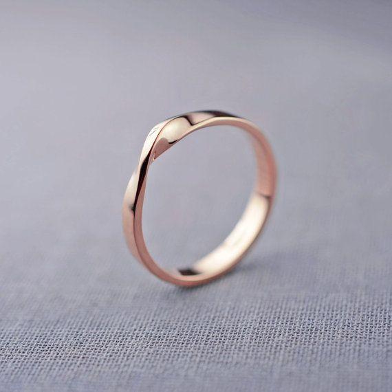Anillo de Mobius de oro rosa de 14 K Minimalist golden rings | Gold rings Minimalist woman jewelry | Minimalist silver accessories | Simple jewellery | Modern jewellery