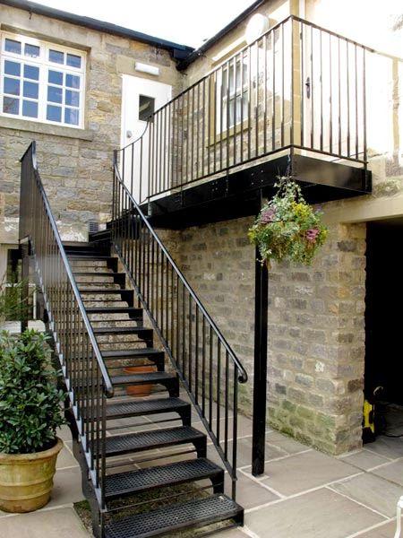 M s de 25 ideas incre bles sobre escaleras metalicas for Estructuras de hierro para casas