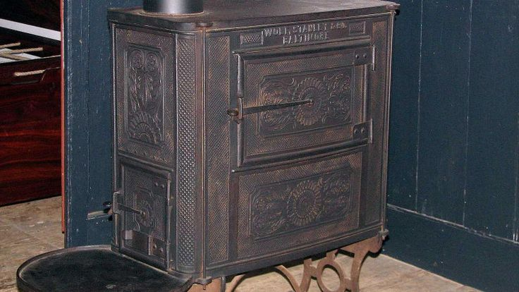 Some settlers were lucky enough to have brought cast iron stoves from back east—like this one, from the 1820s.  15 Tools That Helped Pioneers Survive on the American Frontier