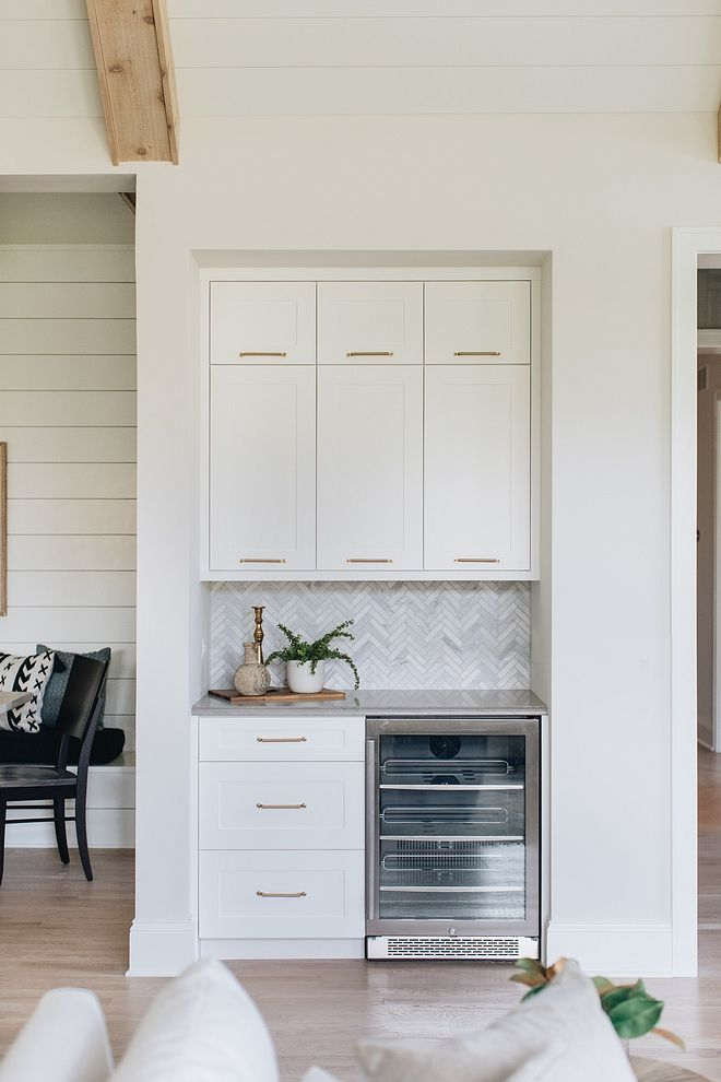 Kitchen Bar Kitchen Bar Cabinet Kitchen Bar Ideas There Is A Dry Bar Off To The Side And A Pantry Was Tu Interior Design Kitchen Kitchen Remodel Kitchen Design