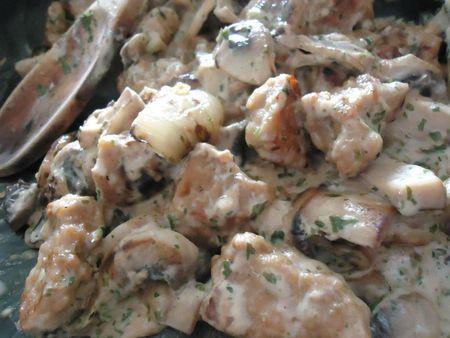 Petit plat de seitan sauce forestière (on s'adapte comme d'hab)