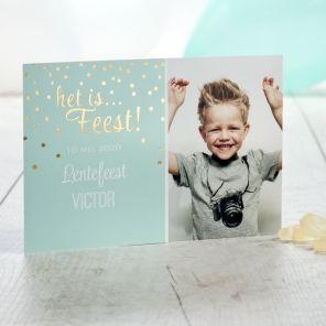 Val op met dit mooie mintgroene fotokaartje. Door de mooie foto en de twinkeling van de gouden bolletjes is het kaartje op zich al een feest!Afwerking met goudfolieFotokaartDubbelzijdige bedrukkingEnkele kaartKlik op 'maak je kaart' om je eigen