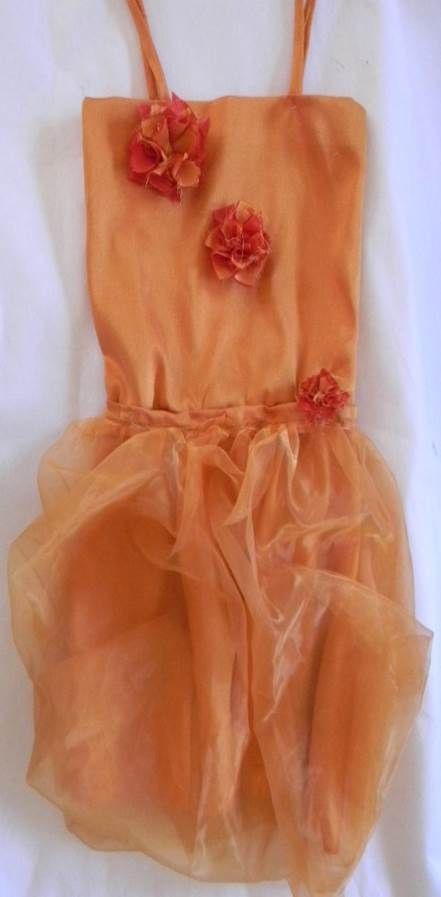 We make customized flower girl dresses.  Contact us on hannelychurcher@gmail.com  See our website http://amazinggifts.wozaonline.co.za