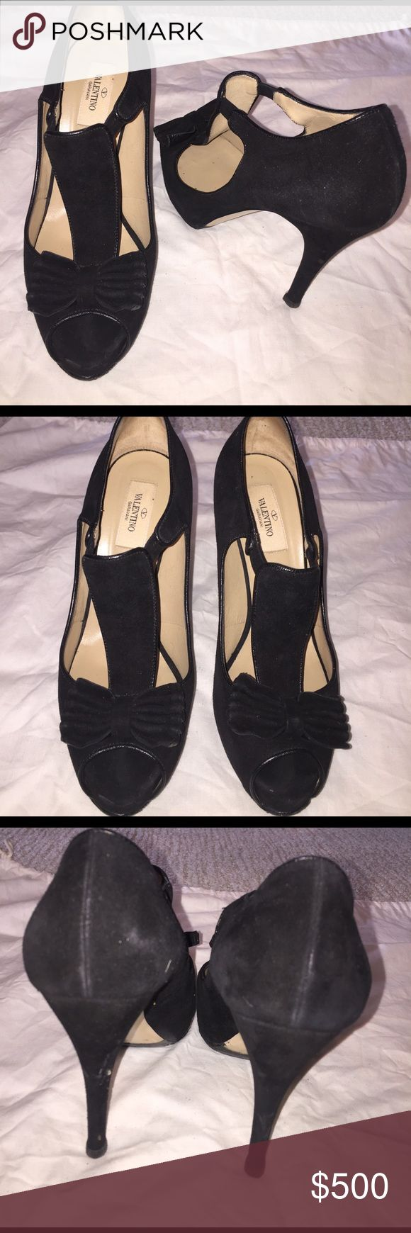 Valentino black t strap heels with bow Valentino black heels with bow! Valentino Shoes Heels